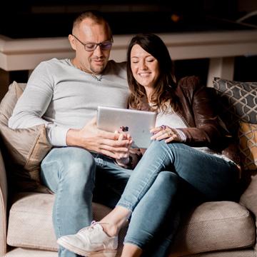 Un couple s'imagine dans sa future maison